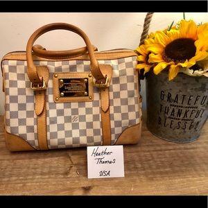 Authentic Louis Vuitton Berkeley Damier Azur 👜
